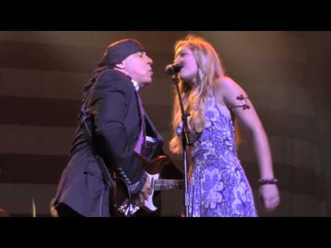 "Steven Van Zandt performs ""With A Little Help From My Friends"" with Rockit"