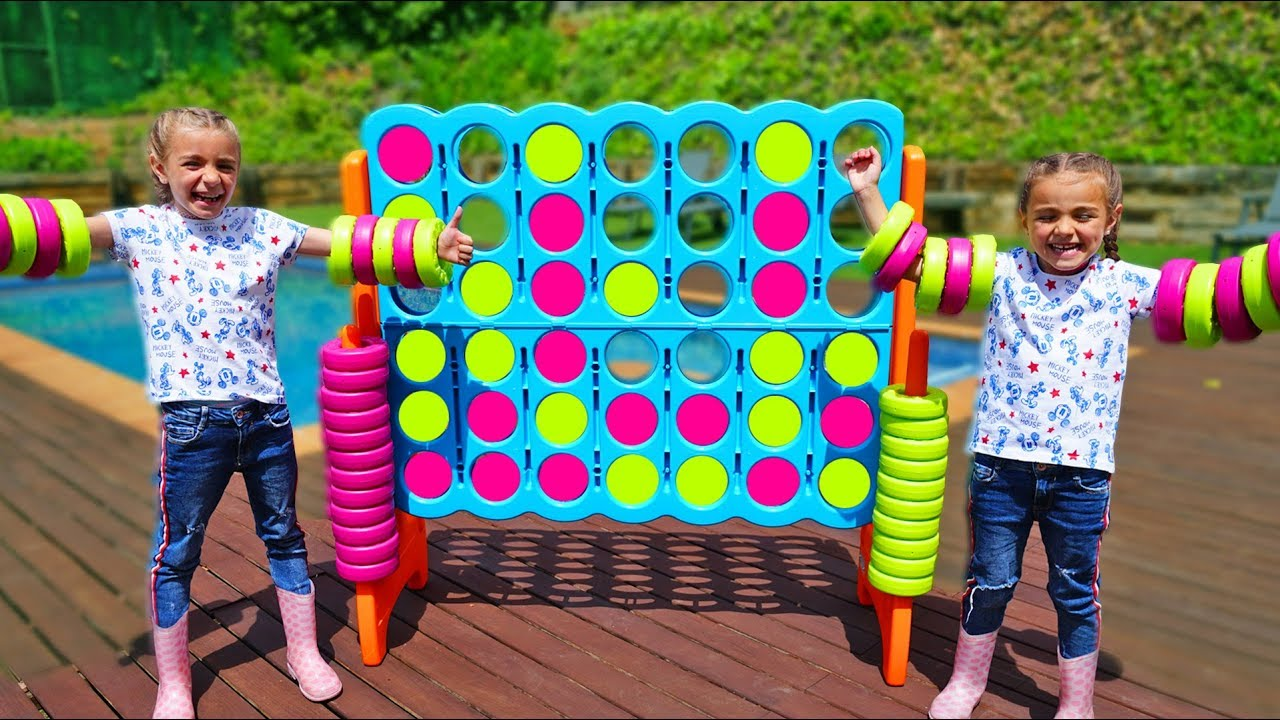 Las Ratitas Pretend Play with connect 4 for kids Funny video