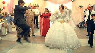 Танец цыгана с невестой. Не танцует, а летает. Цыганская свадьба