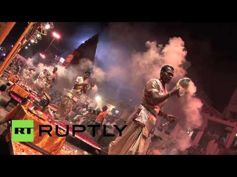 India: Narendra Modi offers prayers at holy Shiva temple