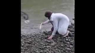 Monster Eel yells at pizza bread in Manawatu River.