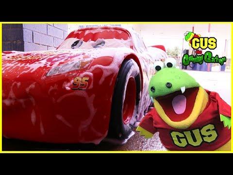 Disney Cars 3 Lightning McQueen Car Wash Trip!