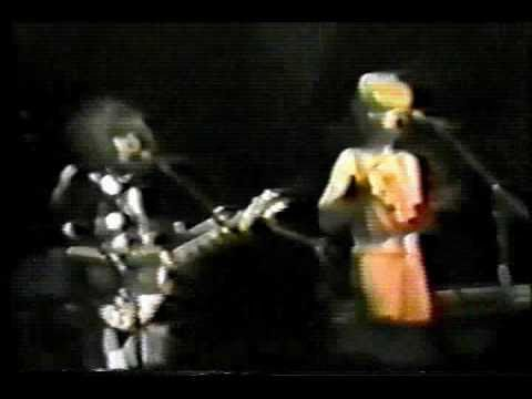 The B-52s - Planet Claire/52 Girls live September 1979