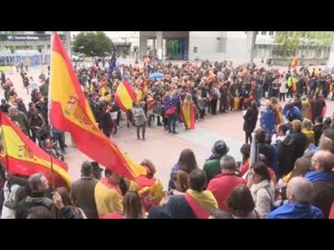 comunidad espanola pide unidad y dialogo en bruselas y paris