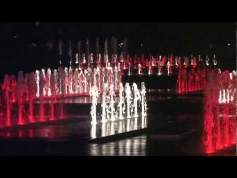 Fontaine du quartier des spectacles piscines soucy for Piscines soucy