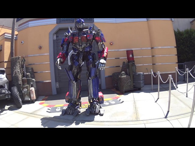 Universal Studios Hollywood - Transformers Optimus Prime