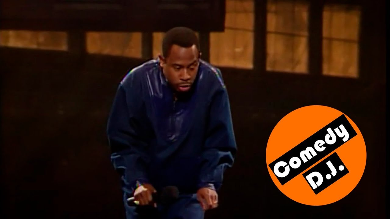 Martin Lawrence greeting guests – Def Comedy Jam(s1ep1)