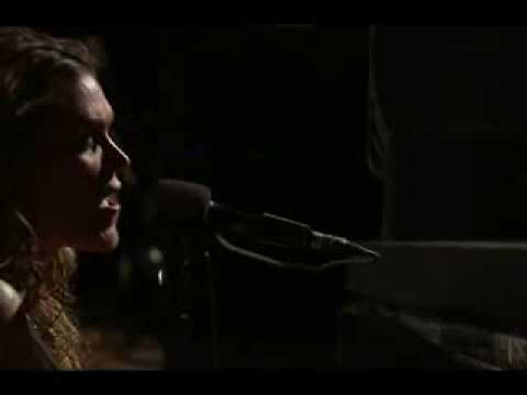Beth Hart - Crashing down. (37 days)
