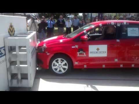 Low-Speed crash test 2014 Volkswagen Vento