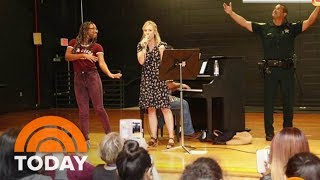 Kristen Bell And Jennifer Garner Help Victims Of Hurricanes Irma And Harvey | TODAY