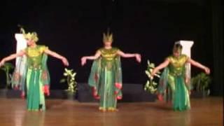 TariAn Merak (Peacock Dance)