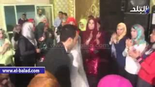 بالفيديو والصور .. «أفراح البلد» يشارك حفل زفاف مصطفى ورباب ببني سويف