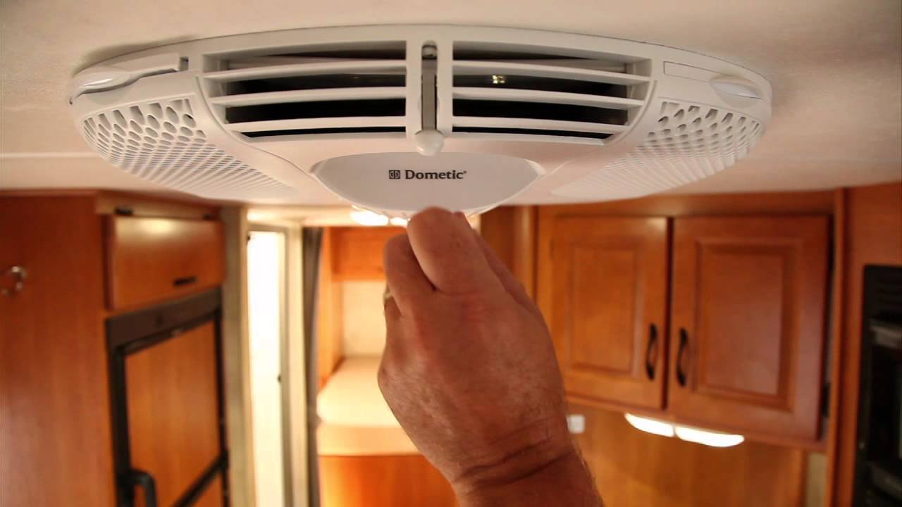 RV Rooftop Air Conditioner - Cruise America