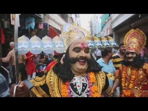 India celebra la victoria de Rama sobre el demonio Ravana