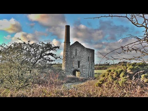 Pascoes Shaft Engine Houses - Tin Mining in Cornwall England