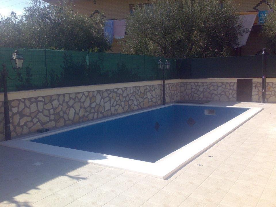 Costruire una piscina a roma in cemento armato piscine - Quanto costa costruire una piscina ...