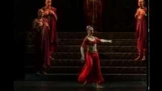 Variation  III Act - Gamzatti (Cor.N.Makarova) Mary Garret - Teatro alla Scala 18/12/2008
