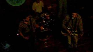 Got My Feet On The Ground (The Kinks Cover)(En Vivo en Tiburon Club, 25/04/2009) - El Caminante