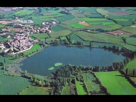 Castellaro Lagusello (Mantova, Italia) - il paese e il laghetto - slideshow