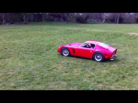 Scarlett's Garage: Stuart Gurr, Dad, Builds Mini Cars For His 7-Year-Old Daughter (PHOTOS, VIDEO)