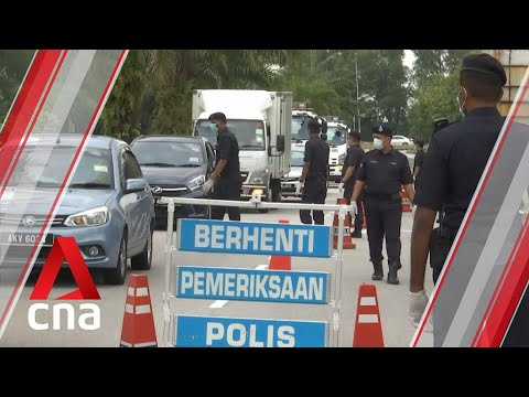 COVID-19: Malaysian police set up hundreds of roadblocks during lockdown
