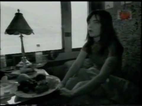 Björk - 1995 Speak Easy - Channel [V] (Part 1 of 2)