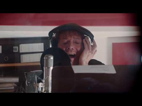 Cilla with the Royal Liverpool Philharmonic Orchestra - You're My World ft. Cliff Richard (Video)