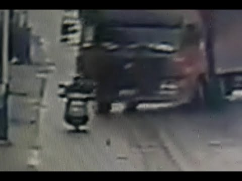 Drifting truck kills man in south China city