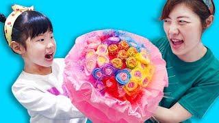 사탕을 심었더니 사탕꽃들이 피었어요!! 유니의 사탕꽃 사탕나무 츄파춥스 부케 양치 사탕만들기 마법 Good Candy Tree and Bouquet - 로미유스토리 Romiyu
