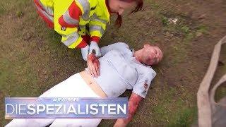 Lebensgefährlicher Brand im Massagesalon: Mitarbeiterin ist noch drin | Die Spezialisten | SAT.1 TV