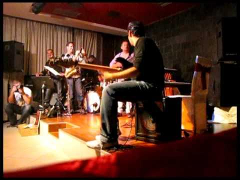 eugen botos win bass battle VS eugen vizvary 2010