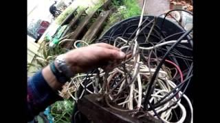 Day 4 - Prepping Copper Electrical Wire - Tip - Asbestos & Keep Old 1920's Bakelite Plugs to Resell!