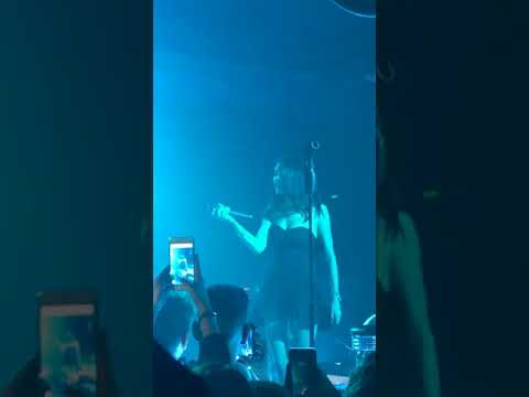 Madison Beer- Heartless Live In Milan