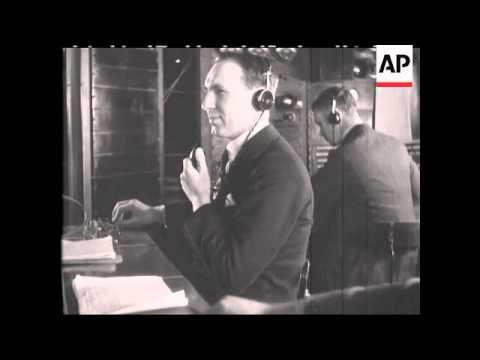 TELEPHONE OPERATORS - ENGLAND 1930'S