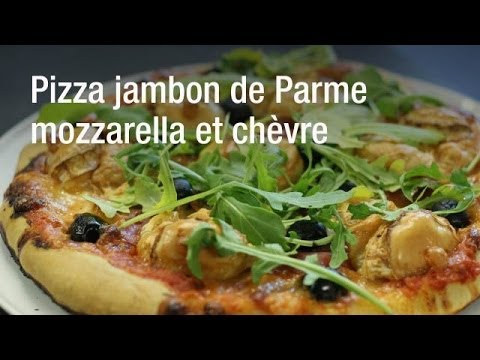 recette-de-la-pizza-jambon-de-parme,-mozzarella-et-chèvre