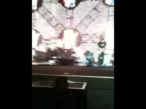 Crazy Blink 182 concert footage