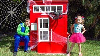 Stacy e papai constroem e decorar casas de brinquedos