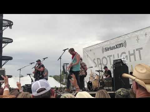 Mitchell Tenpenny - Drunk Me @ Stagecoach 4/27/19