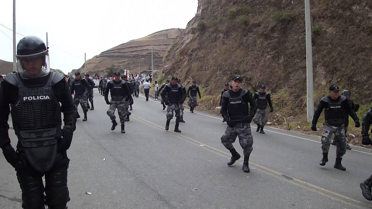 bailando policía
