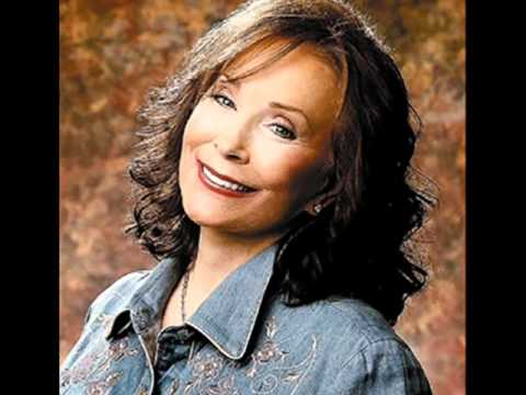 Loretta Lynn-You're Lookin at Country