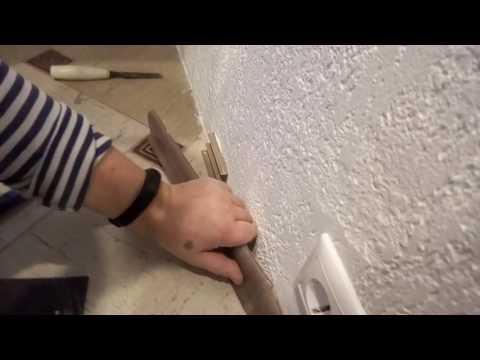 Как чисто и без шума закрепить плинтус на полу