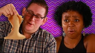 People Eat Ethiopian Food For The First Time