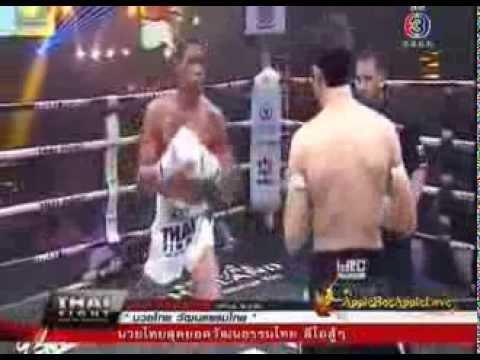 Jeferson Vulpe vs Leo Pinto Thai Fight 2013