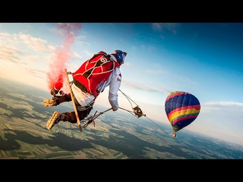 Skydivers Play on the ULTIMATE Mega Swing streaming vf