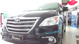 #Cars@Dinos: New Toyota Innova Interior Exterior Walkthrough (price, features, etc.)