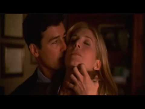 Kyle Chandler hot kiss