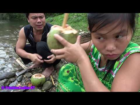 Survival skills - Finding food meet coconuts and cooking bird eggs in coconuts - Eating delicious