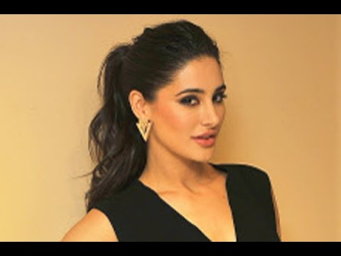 Pakistan daily ad featuring Nargis Fakhri causes Twitter buzz