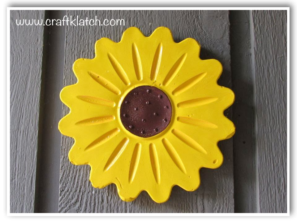 DIY Plaster Garden Art Flower Wall Hanging - YouTube