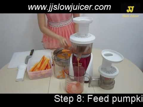 Making Pumpkin Papaya Juice with JJ Slow Juicer - YouTube